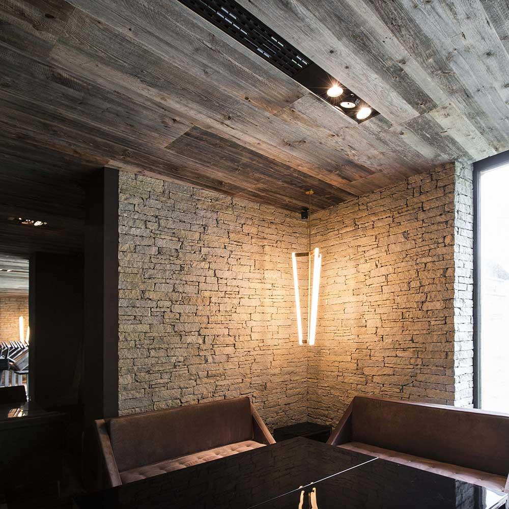 Altholz sonnenverbrannt grau Zhero Hotel Group Ischgl oesterreich 2