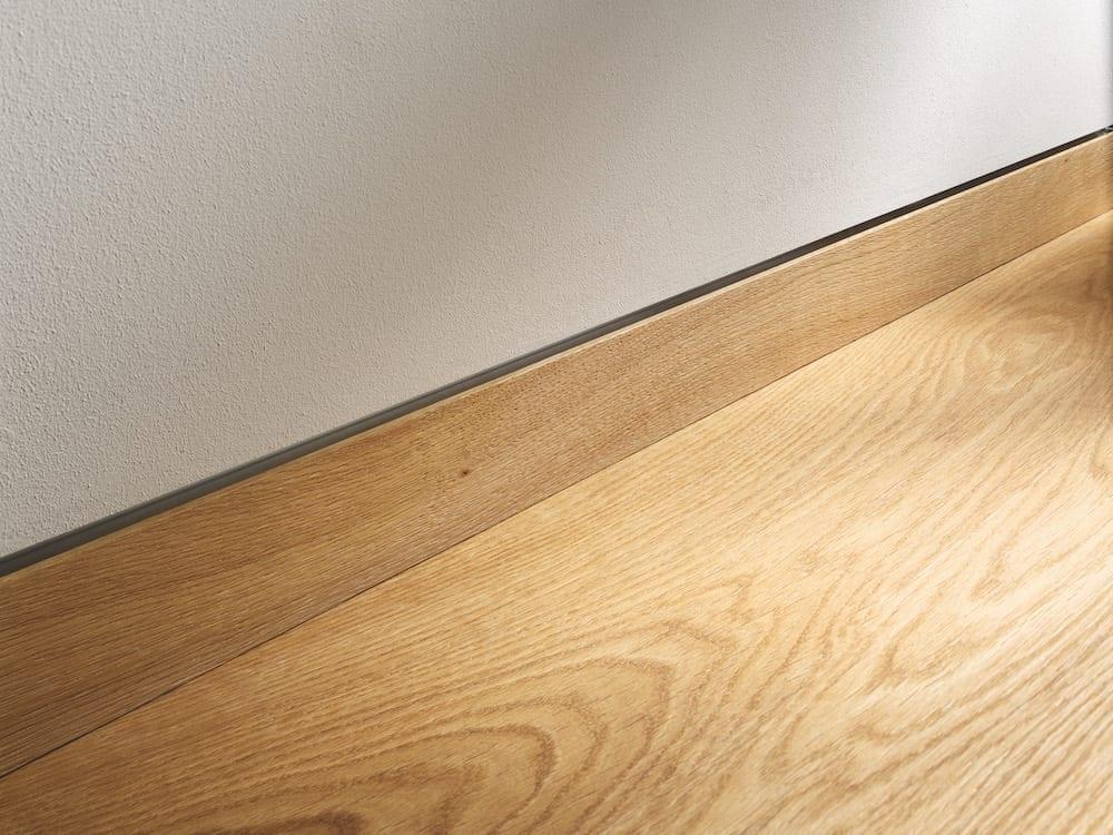 Admonter Floors Wandbündige Sockelleiste